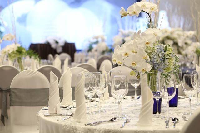 Cách bàn trí bàn tiệc tại địa điểm tổ chức tiệc cưới quận Tân Bình Gala Center