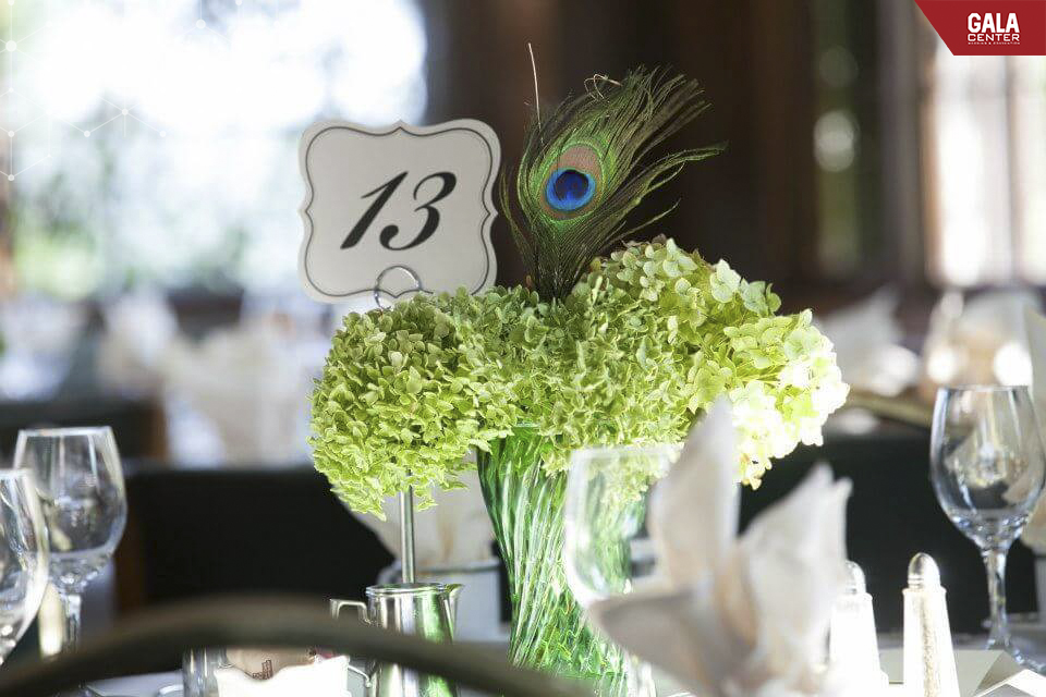 trang trí hoa cẩm tú cầu trong đám cưới