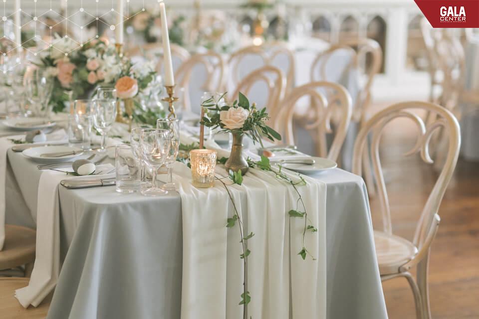 blush-pink-green-wedding-table-setting-swynford-manor