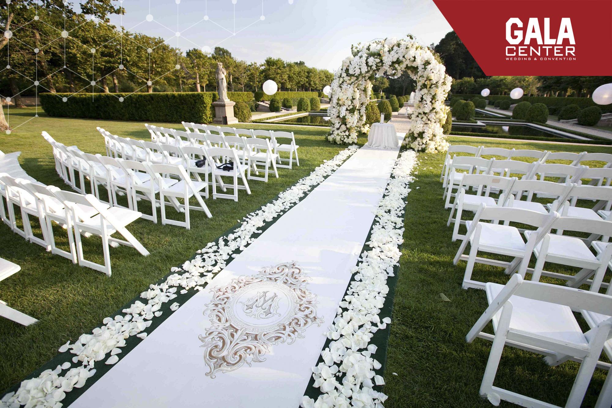 xu hướng tổ chức tiệc cưới ngoài trời