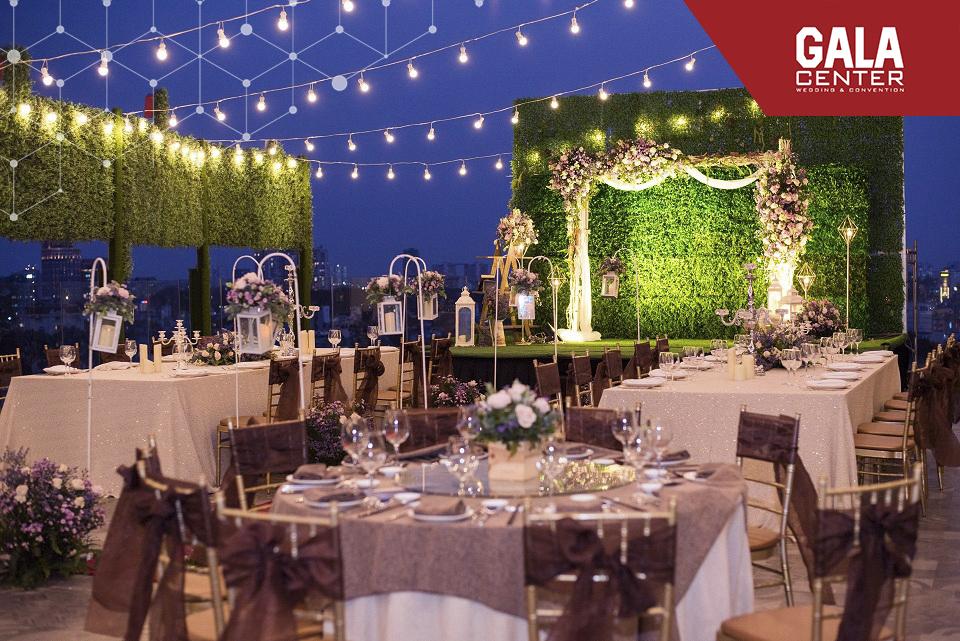 xu hướng tổ chức tiệc cưới ngoài trời với ánh đèn