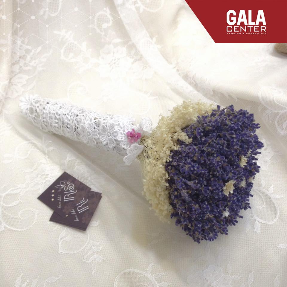 hoa cưới oải hương biểu trưng cho sự thủy chung