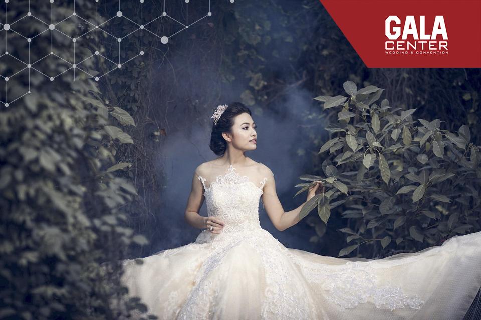 váy cưới trắng tinh khôi