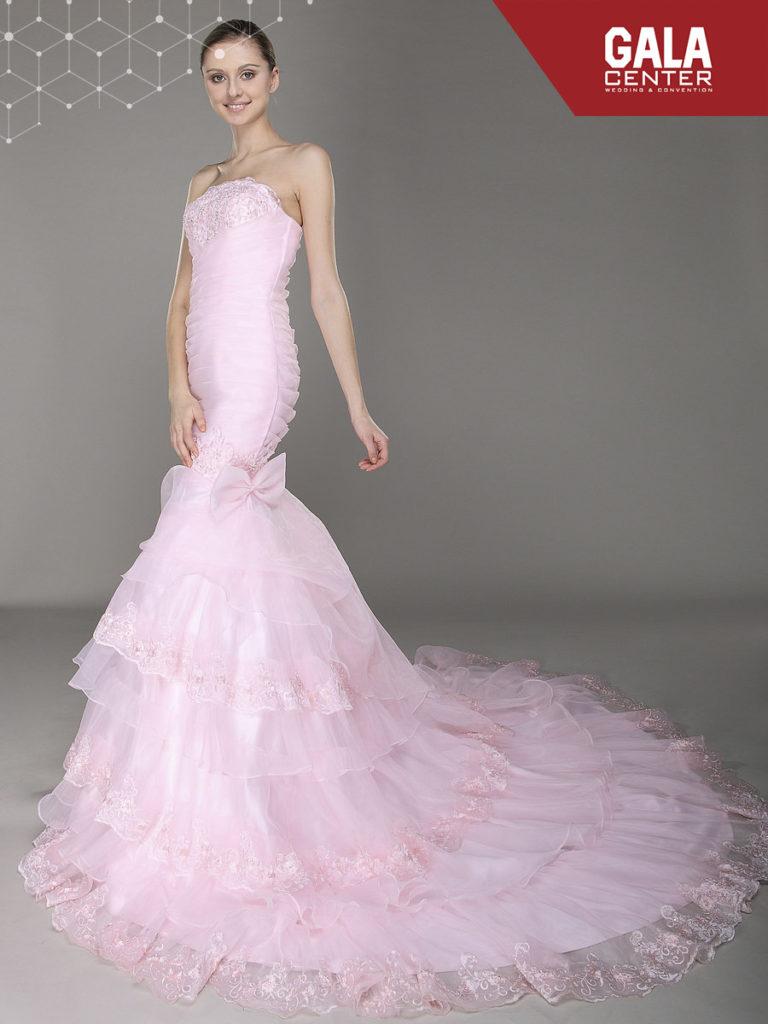 váy cưới màu hồng