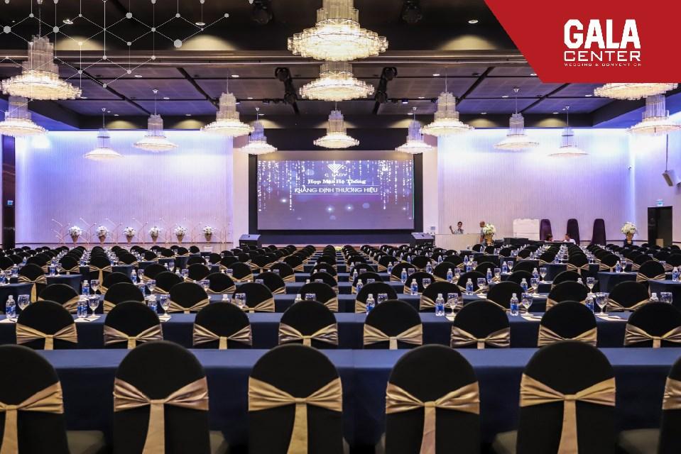 Đẳng cấp của một hội nghị, hội thảo cũng sẽ nằm ở cách bố trí phòng họp sao cho phù hợp.