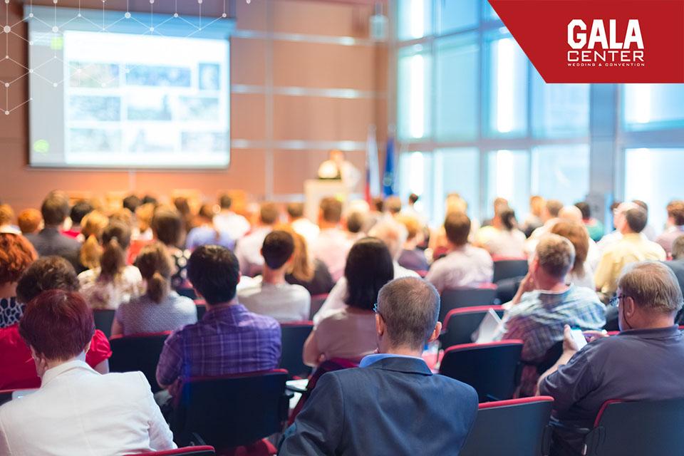 Hội nghị là hình thức hội họp phổ biến của mỗi doanh nghiệp