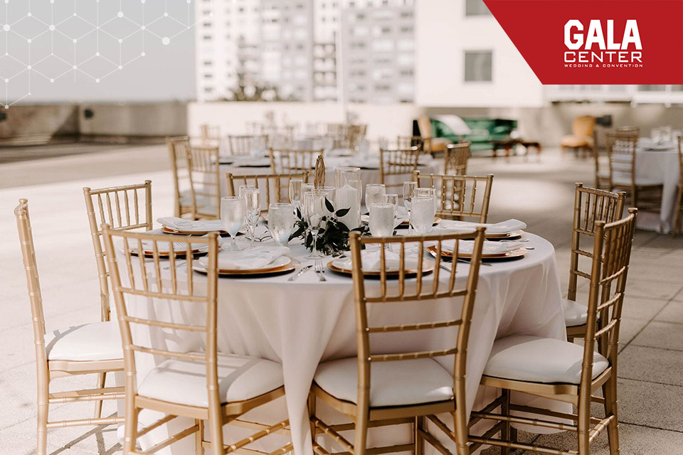 Ghế Chiavari thường được dùng trong các sảnh tiệc cưới nhà hàng