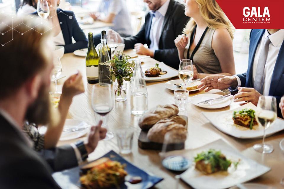 thực đơn nhà hàng tiệc cưới